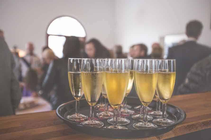 3 Things to Keep in Mind when Booking Corporate Entertainment