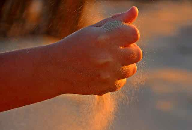sand, hand, fingers