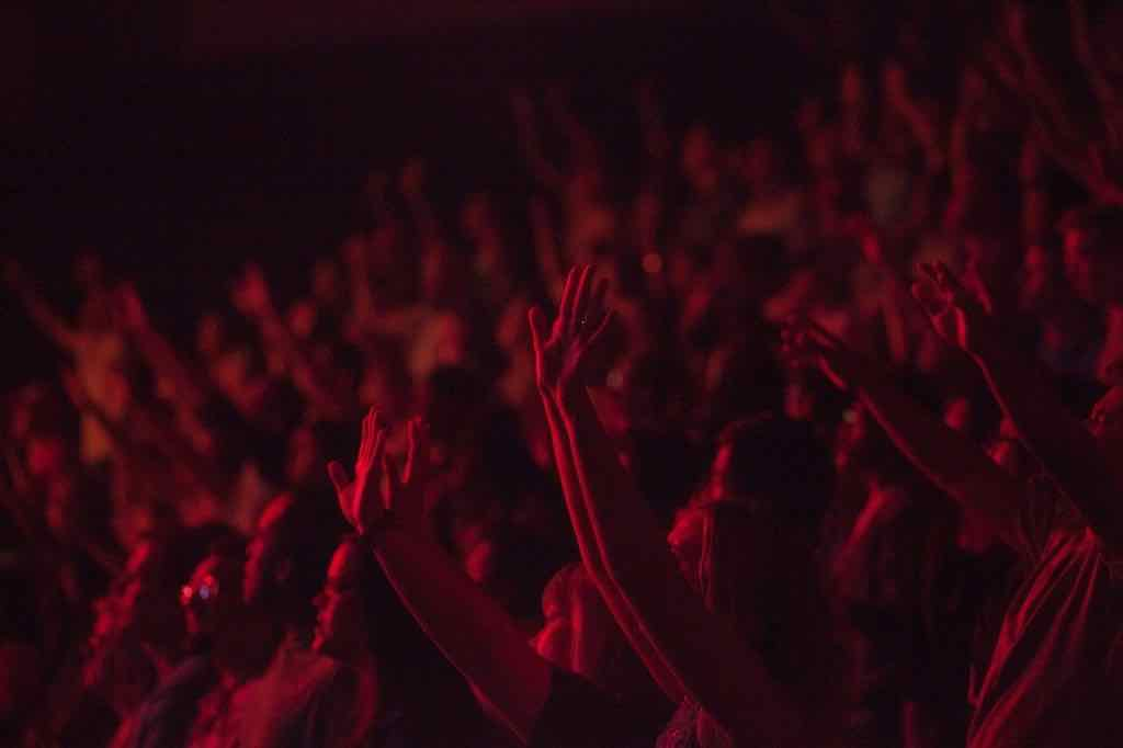 Top Benefits of Booking Headline Entertainment for Your Next Event